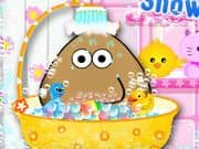 Juego Pou Takes A Shower
